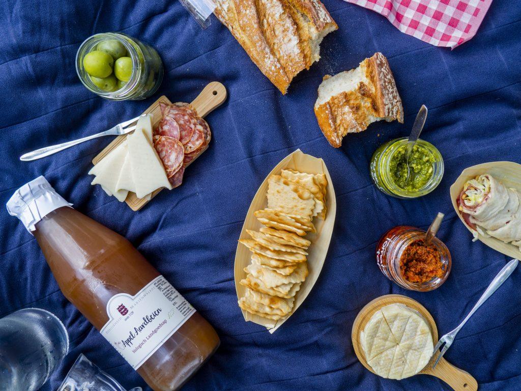 luxe picknickmand van picknickbezorgd.nl