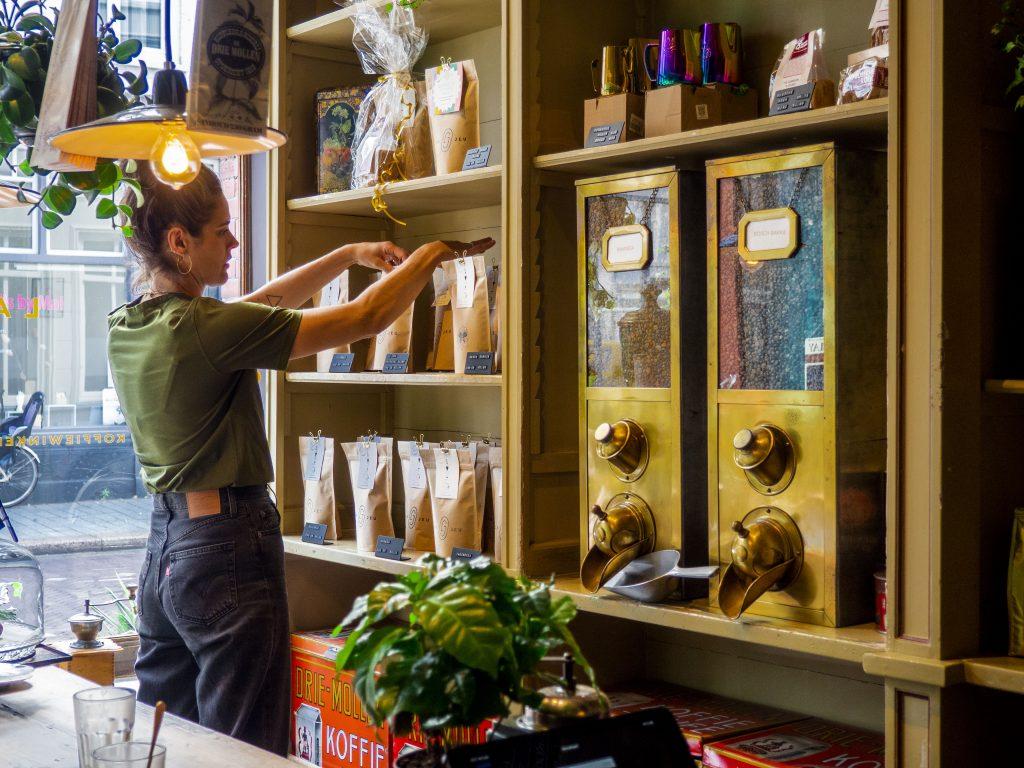 Nieuw: (H)eerlijke vers gebrande koffie bij La Jeu Coffee in de Hinthamerstraat